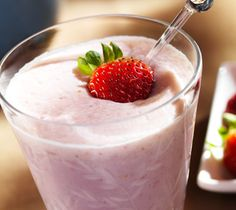 Lindt White Chocolate Strawberry Drink