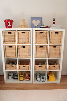 Chambres d 39 enfants on pinterest playrooms toy storage and toys - Etageres de rangement ikea ...