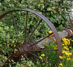 Rusty wheel and old wood