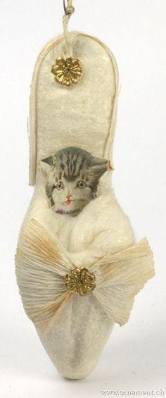 Cat in shoe spun cotton