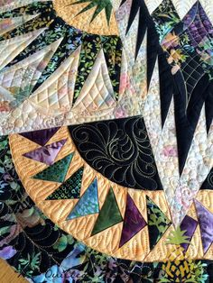 THE QUILTED PINEAPPLE: Glacier Star quilted by Linda Hrcka