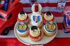 Boy's Royal Birthday Bash cupcakes www.spaceshipsandlaserbeams.com