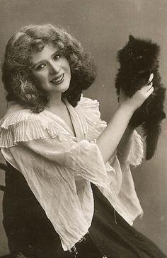 Vintage Cat Ladies!
