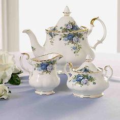 Tea sets <3