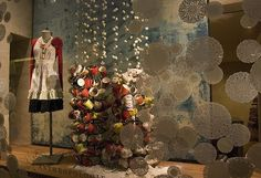 tea cups #Anthropologie, #window_display, #installation, #teacups