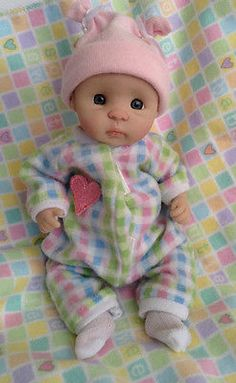 Tiny Hand sculpted OOAK BABY ( By KyBabies)