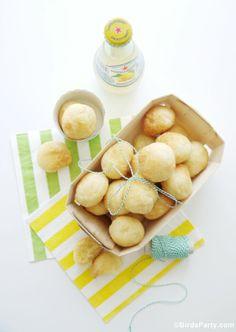 World Cup Party: Brazilian Appetizer Pão de Queijo Recipe #worldcup #party #brazilianrecipe #appetizer #gamefood #recipe #brazil #brazilian #paodequeijo world cup brazil party, cheese bread, cup parti