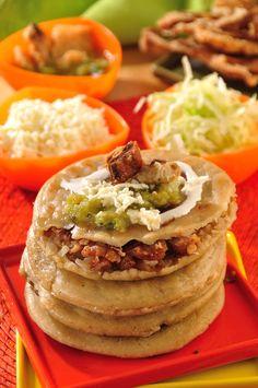 Gorditas de chicharrón prensado, Mexico