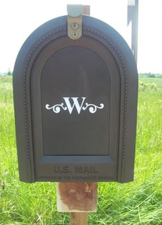 Monogram on the mailbox with Silhouette