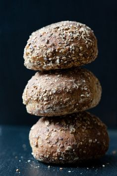 Jim Lahey's Sullivan St. Bread // This recipe is fantastic! It takes some time but very little effort to make and you're rewarded with a beautiful loaf or artisan bread! I love to make it for guests when I'm serving soup.