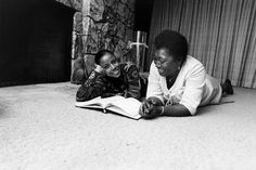 "Esther Rolle (1920-1998) and Bern Nadette Stanis go over a ""Good Times"" script together in 1975. Photo: Isaac Sutton of Ebony."