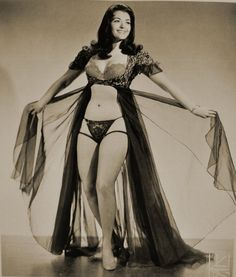 vintage burlesque | Vintage Burlesque Dancer