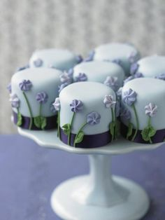 Immensely pretty little blue and purple mini cakes. #flowers #cakes #desserts #spring #food
