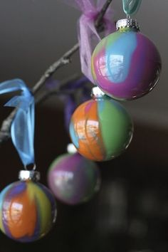Pour-Painted Christmas Ornaments - happy hooligans