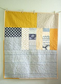crib quilt, pattern, gift ideas, baby gifts, quilting color schemes, color combinations, quilt idea, piec quilt, quilt yellow