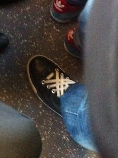 Interesting laces on the tube this morning