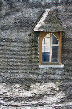 Roof window - love the tiles!