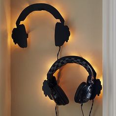 Light up headphone holder to go with some over-the-ear noise canceling headphones