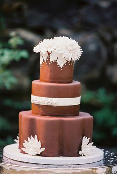 Chocolate iced wedding cake 20 Decadent and Delicious Chocolate Wedding Cakes – Plus 10 Things You Never Knew About Chocolate!