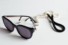 DIY PEARL SUNGLASS STRAP, I must say this is pretty creative.