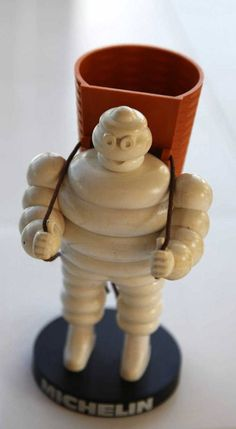 Bibendum Vendangeur / porte crayons - Michelin (1970)