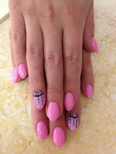 Cute mini stiletto-style nails...