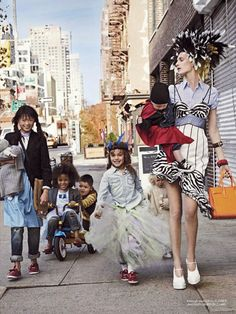 Quinoa loves it when her au pair Fontanelle opens up the dress up closet, rounds up the neighborhood kids, and they all go out for an afternoon of Jolie-Pitting. #MIWDTD