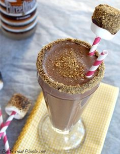 Boozy S'mores Shake - the ultimate summer shake!