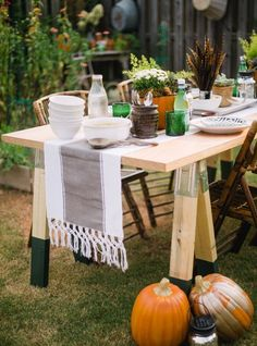 DIY Sawhorse Table Home Depot's The Apron Blog | Apartment Therapy