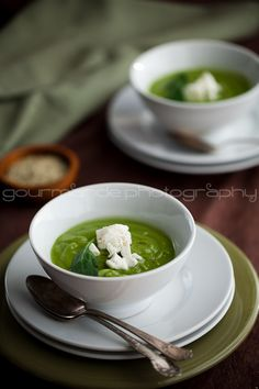 Creamy broccoli spinach soup