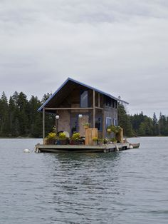 Amazing Snaps: Hand-built floating cabin | See more