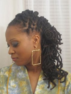 Ah....long and down. Love the spirals. jus loc, loc inspir, loc hairstyl, lock hairstyl, curl, natur hair, flat twist, hair style, angl