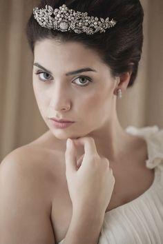 TOCADAS · Nº05 Tendencias de Bodas Magazine · Foto, Lovely Days / Presume de Boda #tocados #novia #headpiece #bride #bridaleditorial #spain