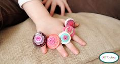 Button rings. Fun kids craft. Great Christmas gift idea to make for cousins and friends