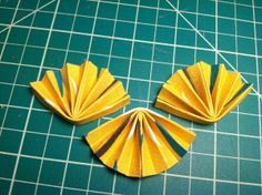 How to make fabric origami necklaces