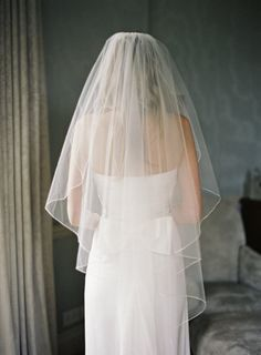 a classic veil for a gorgeous, classic Bride Photography By / alexandreweddings...
