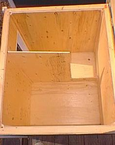 Interior design of dog house that would significantly reduce drafts in cold, windy weather