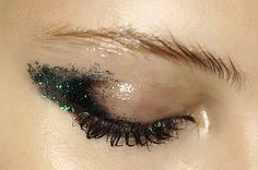 glossy + glitter//