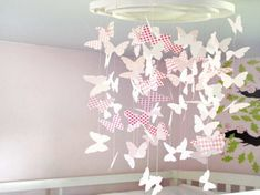 DIY paper butterflies decorations   - DIY: Simple and Easy Paper Party Decorations