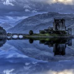 15 Amazing Castles I must see in my life! There are so many, I didn't know which one to pin!! (this is the Eilean Donan Castle in Scotland)