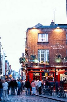 Looking for a lively scene in Dublin? Grab a pint or catch a live musical performance in Temple Bar, Dublin's popular cultural quarter.