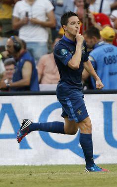 Samir Nasri: «ferme ta gueule!»  Samir Nasri a permis aux Bleus d'égaliser contre l'Angleterre alors que la France était mal embarquée dans son premier match de l'Euro 2012. Le milieu offensif, fou de joie mais aussi de rage, met son doigt sur la bouche pour demander à ses détracteurs de se taire, le tout accompagné d'un élégant «ferme ta gueule».