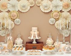 Una elegante mesa de dulces para una boda / An elegant sweet table for a wedding