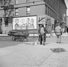 Gordon Parks - A Harlem Street Scene, 1943.