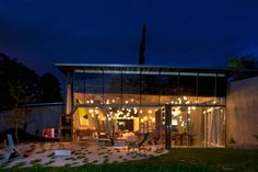 more from this stuuuuning home - (and us usual from my fave blog - desire to inspire) A family house built on rural acreage designed by Vancouver based architect Omer Arbel.
