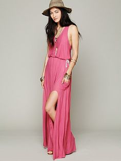 maxi dress with pockets and a high slit!