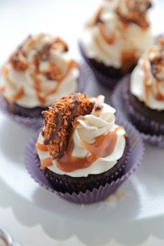 Samoas Cupcakes with Coconut Buttercream www.countrycleaver.com