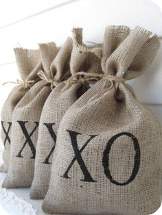 Use burlap for gift bags