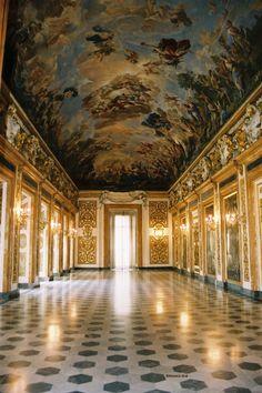 Palazzo Medici, Italia