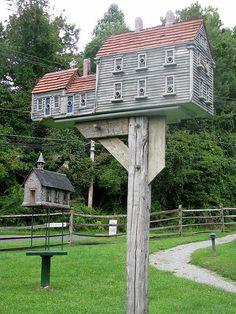 Saltbox Birdhouse!!!!